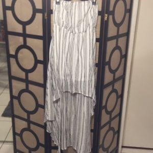 NWT SLEEVELESS DRESS